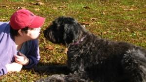 Gadg kisses Betsy